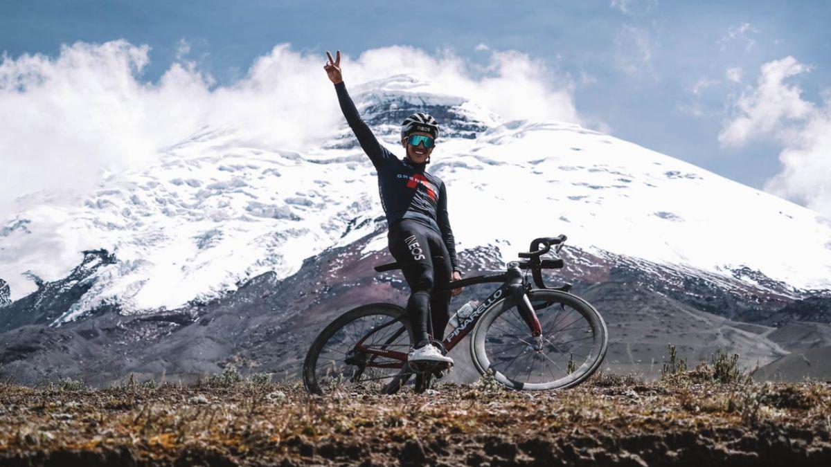 Carapaz-prepares-the-season-in-Ecuador-...-At-4,800-meters!