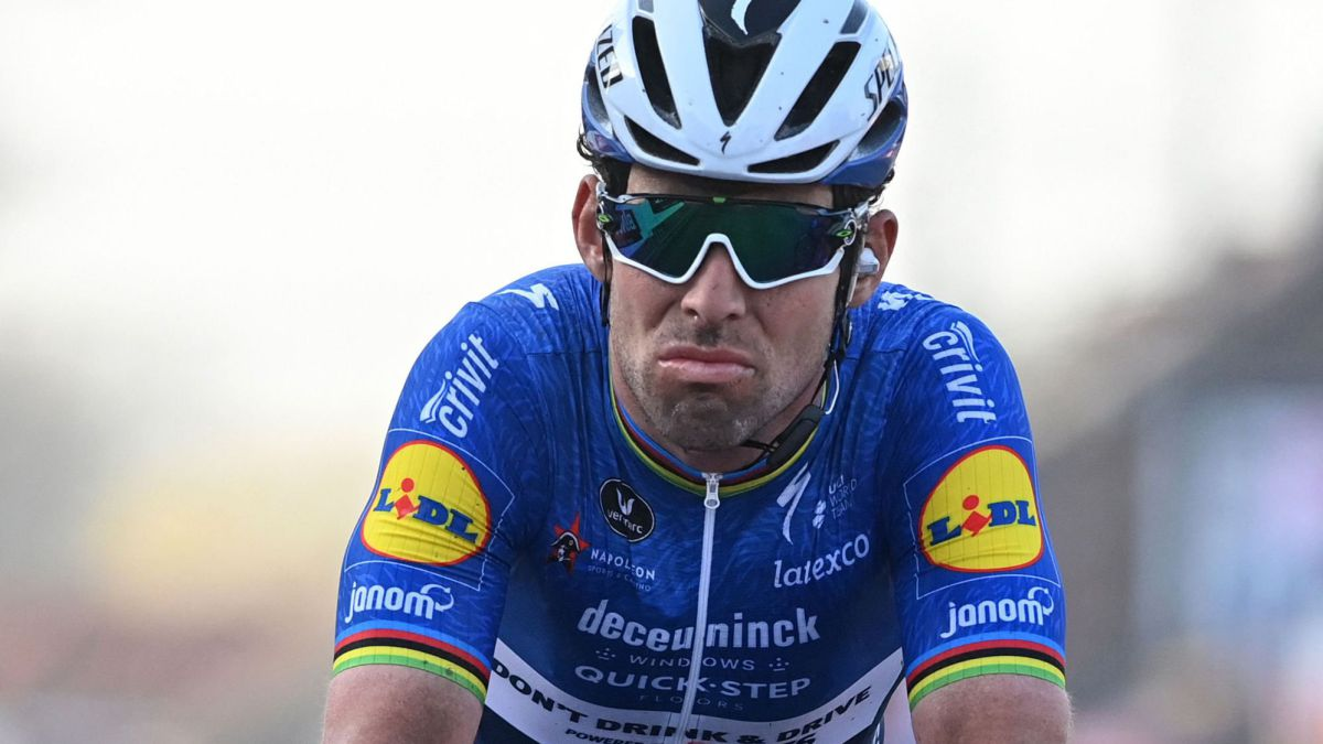 Cavendish-rubs-shoulders-with-the-best-987-days-later