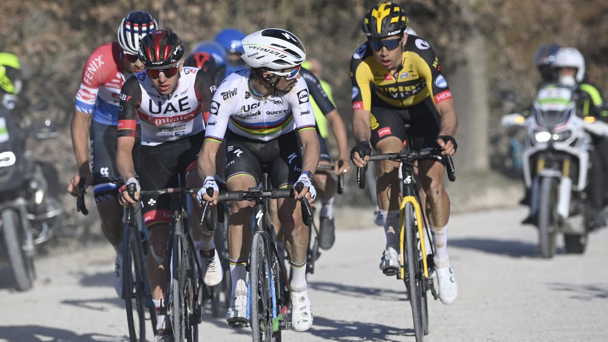 """Pogacar:-""""With-that-power-Van-der-Poel-can-fight-for-the-general-in-Tirreno"""""""