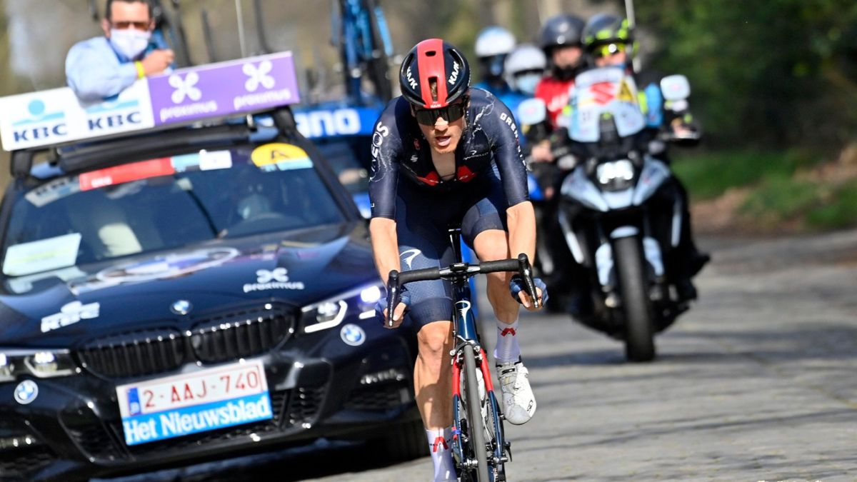 Van-Baarle-signs-a-historic-feat-of-50-km-alone