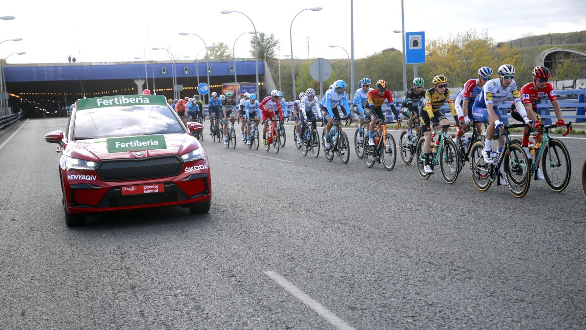 Škoda-and-cycling-a-commitment-to-safety