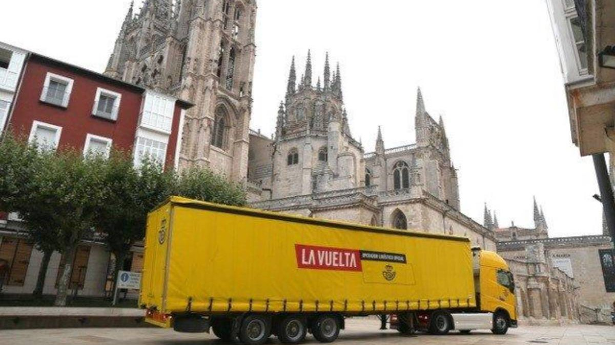 Moving-400-tons-of-material:-the-logistics-challenge-of-La-Vuelta