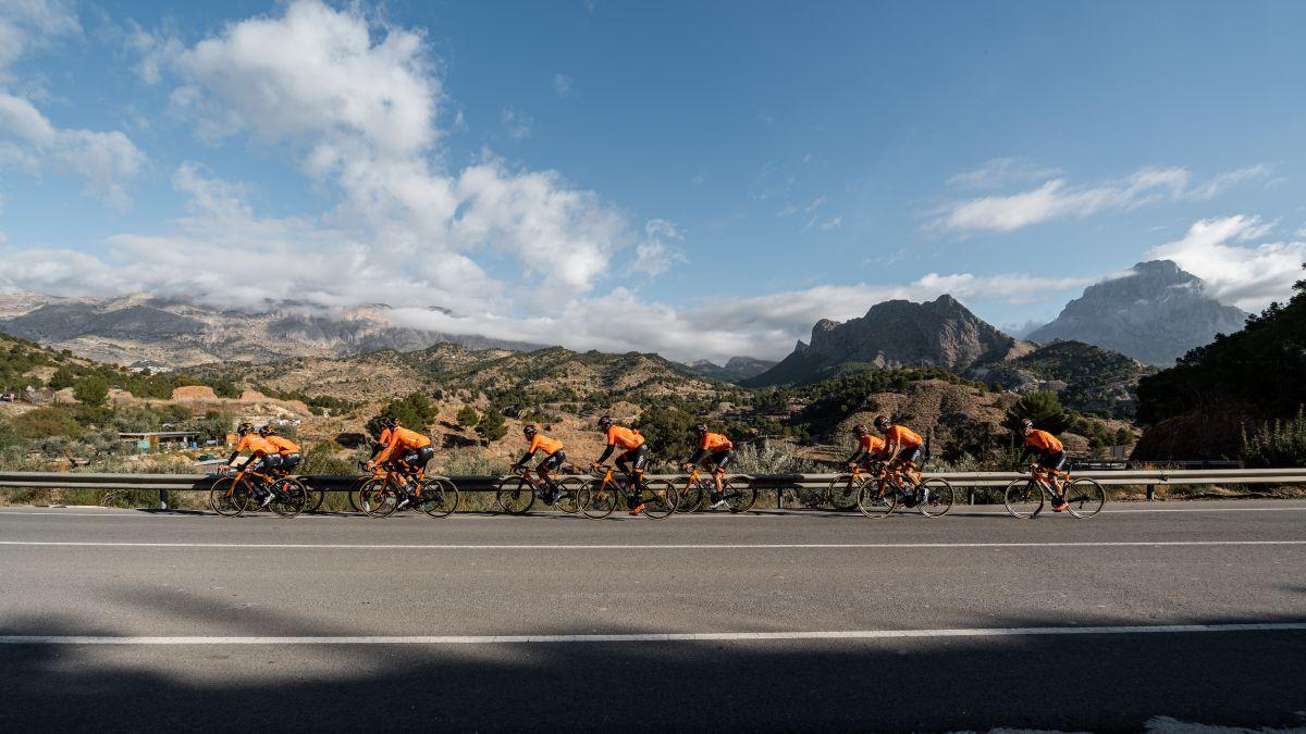 Euskaltel-already-has-eight-on-their-return-to-La-Vuelta