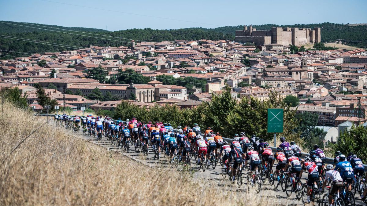 La-Vuelta-fills-emptied-Spain-for-a-day