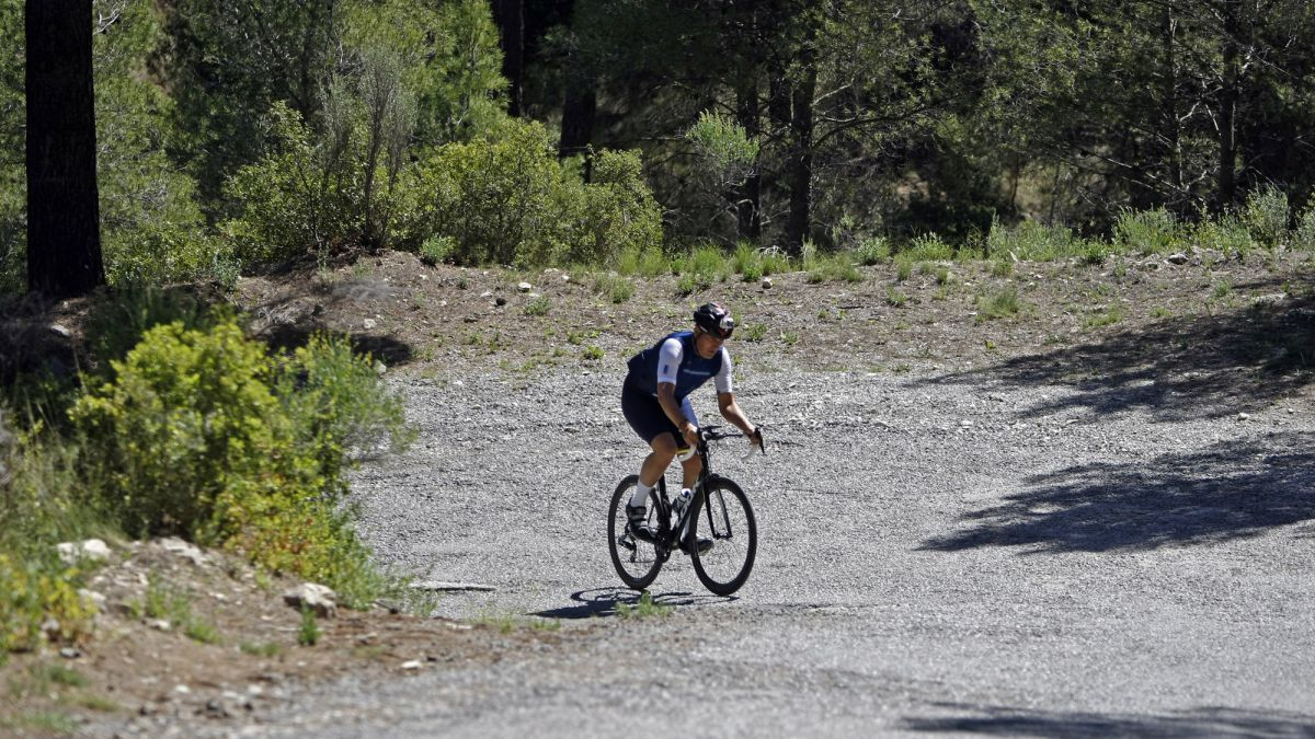 The-climb-to-the-Balcony-of-Alicante-in-La-Vuelta-will-not-have-an-audience-due-to-the-risk-of-fire