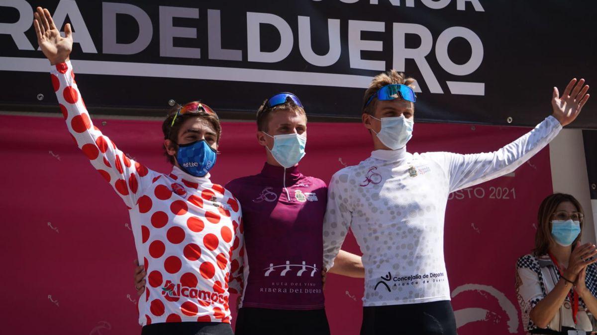 Luca-Scuriatti-and-the-Hot-Tubes-team-triumph-in-the-Junior-Tour-of-the-Ribera-del-Duero