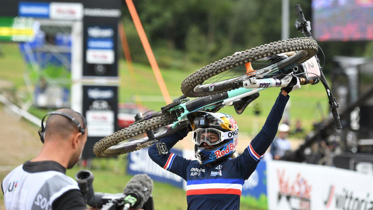 Nicole-and-Minnaar-World-Downhill-Champions