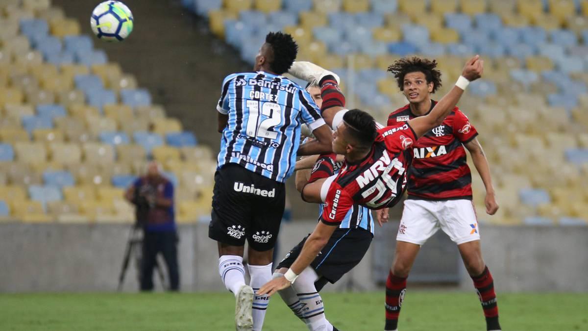 Polémica en Brasil por el gol de Fernando Uribe ante Gremio - AS Colombia 386f6652a49a7
