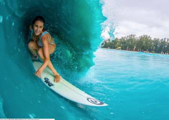 Alana Blanchard y Jack Freestone surfean en Waco Wave Pool