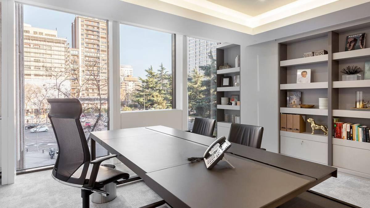 C mo tu oficina influye en tu productividad la filosof a kaizen for Imagenes oficinas modernas