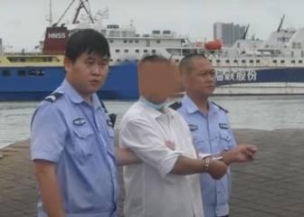 Un hombre arroja a su hijo al mar para cobrar el seguro por su muerte