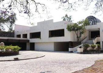 Subastan y compran la mansión del Chapo Guzmán en México