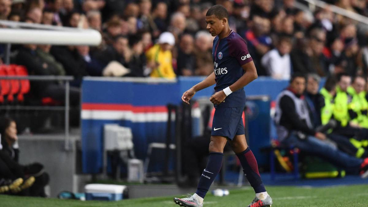 Psg coach emery warns mbappe when you play badly you for Championship league table 99 00