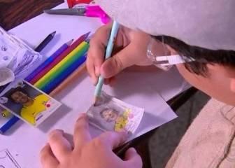 Este niño no tenía dinero para el álbum del Mundial, así que creó sus propias estampas