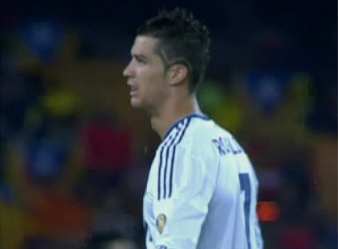 Cristiano Ronaldo Displays New Haircut During El Clsico As