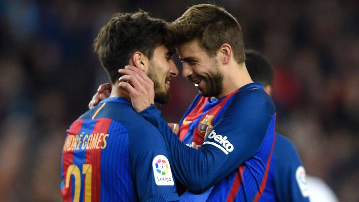 Barcelona Andr Gomes Whistles Gerard Piqu Hits Out At