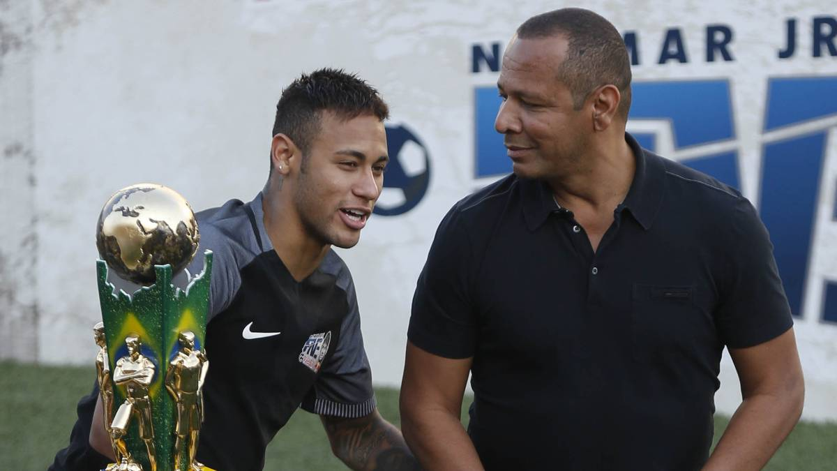 Neymar calla, su padre viajará a París y el PSG, dispuesto a pagar