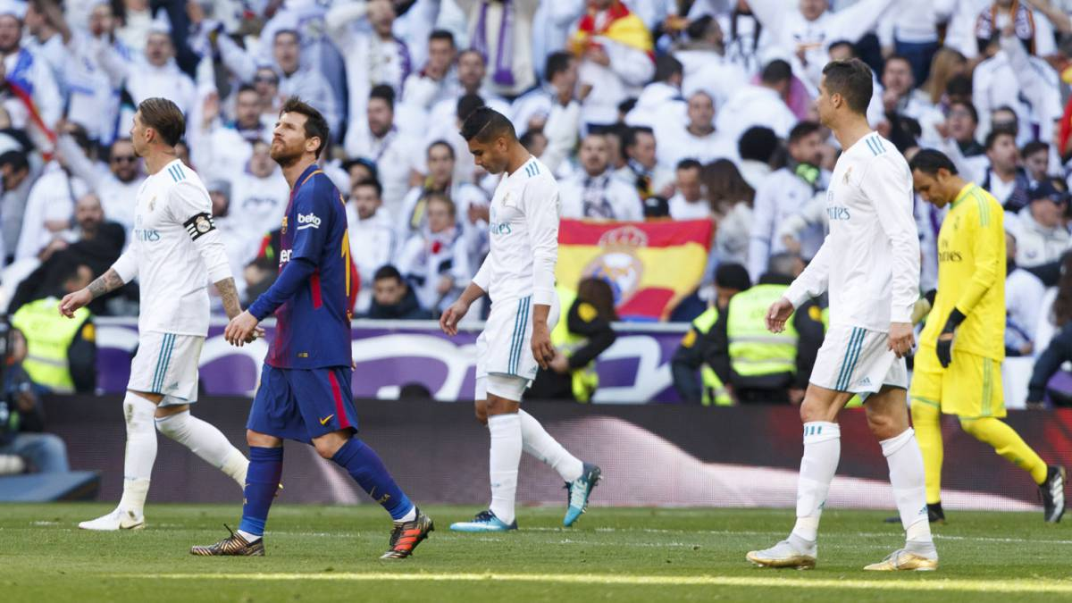 Five keys to real madrid losing el cl sico to barcelona for Championship league table 99 00