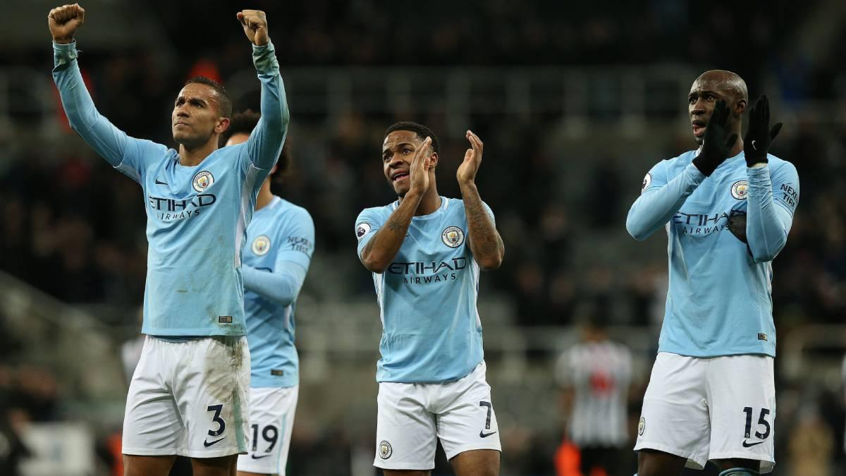 Premier y Serie A: dos maneras de vivir el liderato en el fútbol