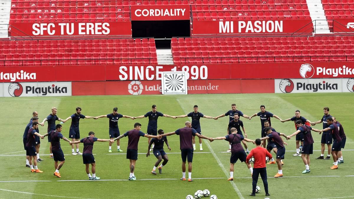 Bonito Ideas Del Arte Del Uña De Fútbol Composición - Ideas Para ...