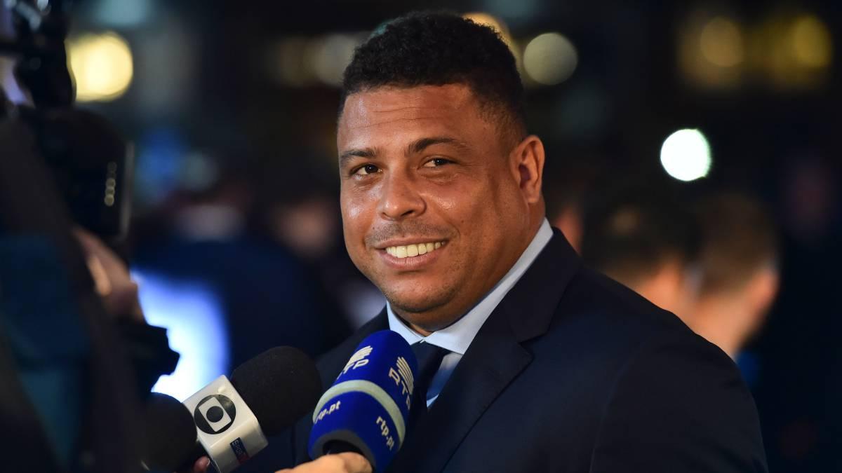 Image result for Ronaldo Luis Nazario de Lima buy Real Valladolid