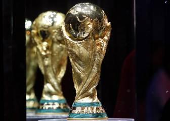 Historia de la copa del Mundial: ¿por qué tiene ese diseño, cuánto cuesta y cuánto pesa?