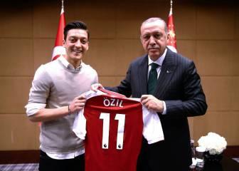 """Özil: """"No jugaré con Alemania mientras sienta racismo"""""""