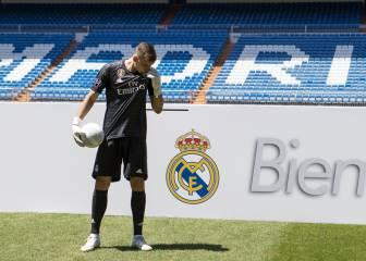 Así fue la presentación de Lunin con el Real Madrid