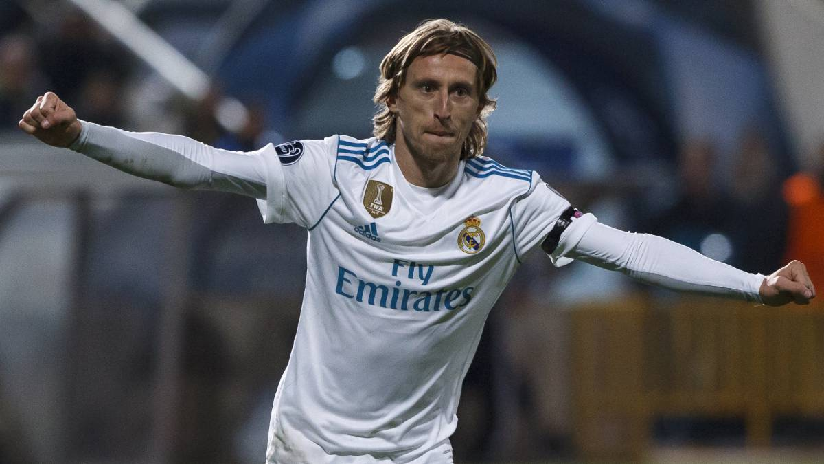 Real Madrid | Luka Modric decides to stay at Real Madrid