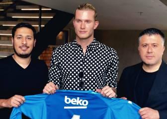Loris Karius ya posa con la camiseta del Besiktas