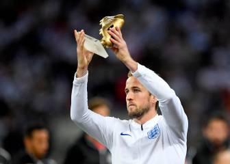 Kane recibe la bota de oro del Mundial en Wembley