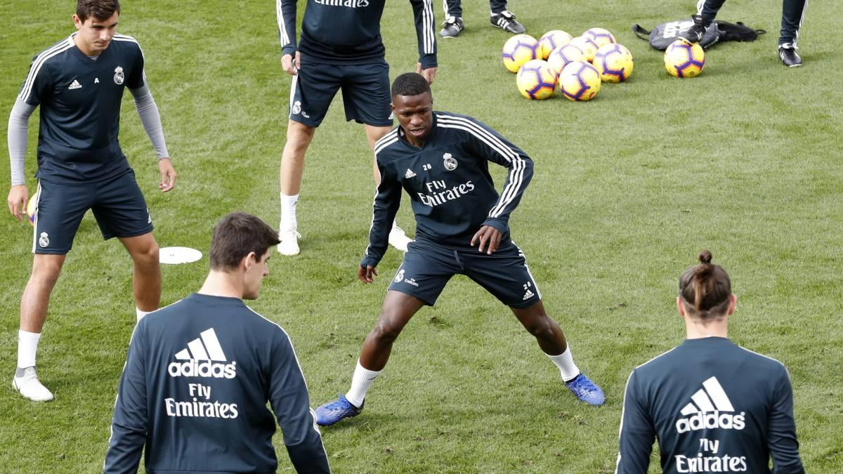 813a8e3d0df2a Ronaldo animará el palco del Bernabéu y Vinicius