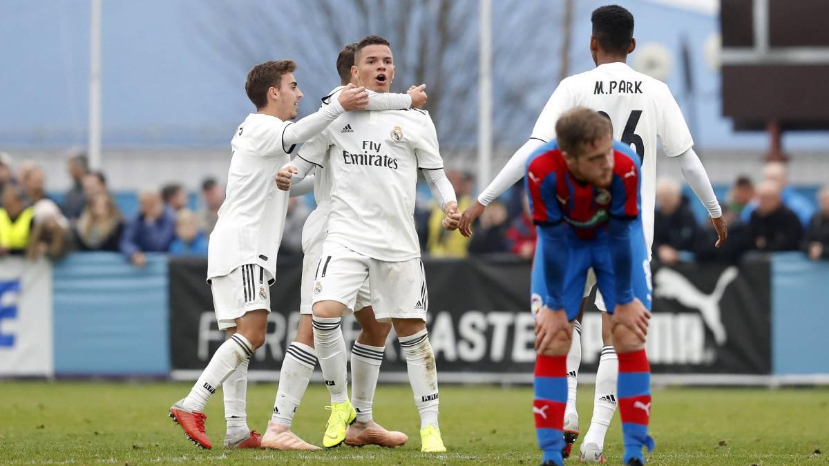 Rodrigo goal sees Real Madrid U-19 into Youth League knockouts - AS.com 594c1092d