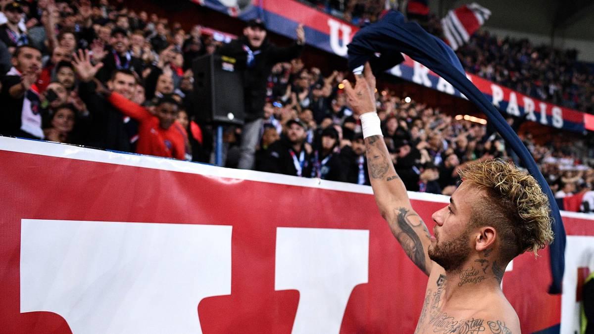 Resultado de imagen para neymar aplaudir a su aficion