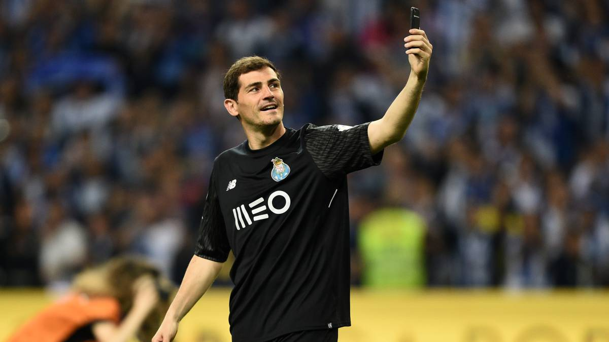 866976474d7 Iker Casillas would happily return to Real Madrid and Spain squad - AS.com