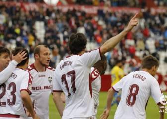 La contundencia del Albacete tritura la fragilidad defensiva amarilla