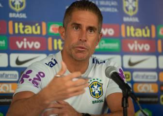 Sylvinho deja la selección brasileña y apunta al Lyon
