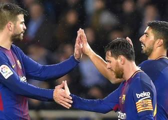 Cumbre entre Messi, Piqué y Luis Suárez en el autocar