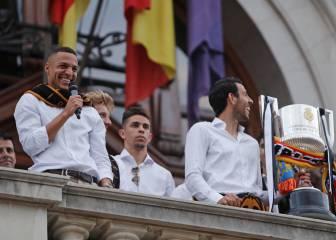Valencia sale a la calle y grita: