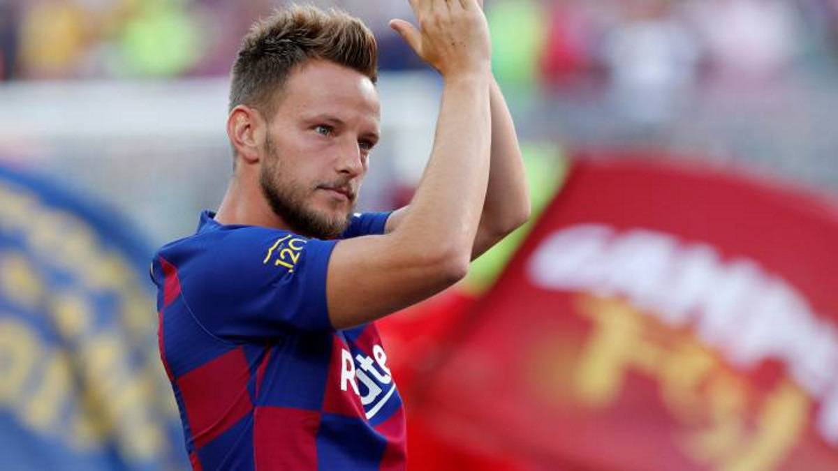 Rakitic-has-the-ball-taken-away-...-and-also-the-goal