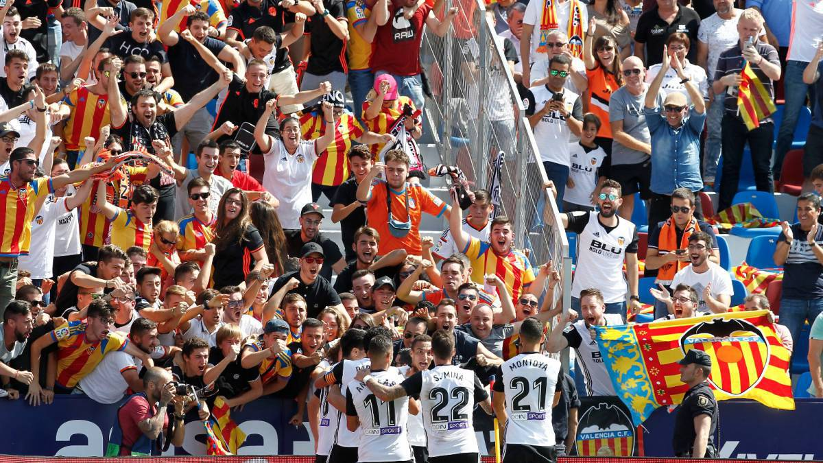Valencia-agrees-with-Levante-and-Villarreal-the-price-of-the-derbis-visitors-tickets