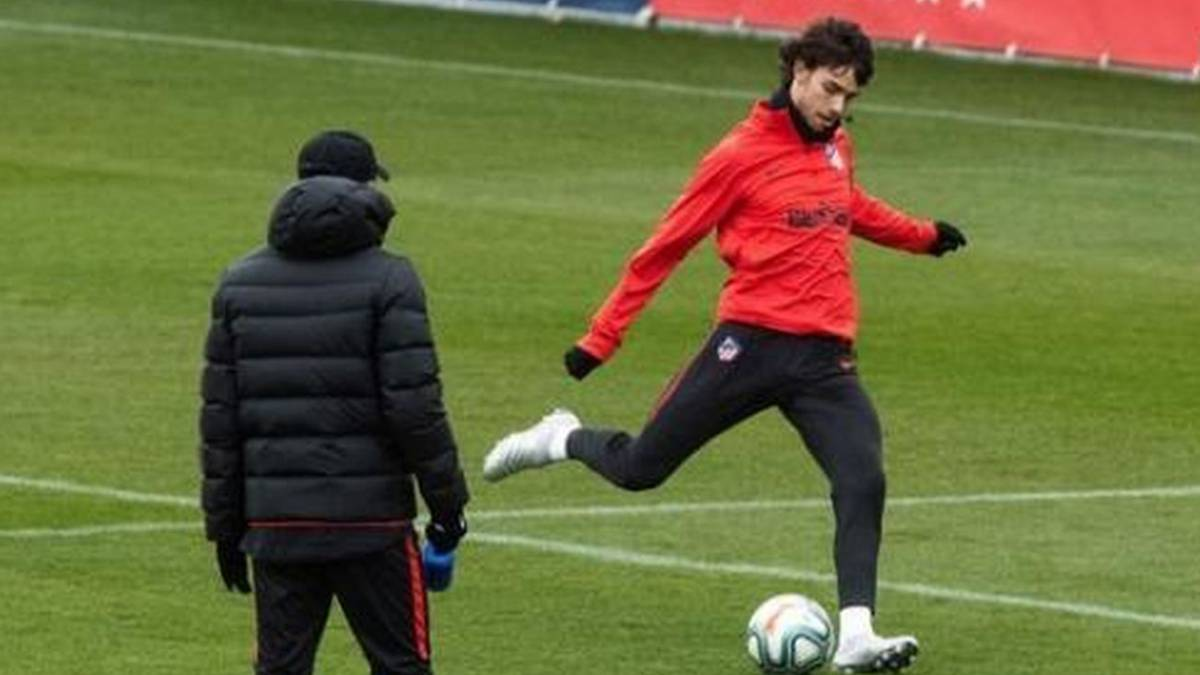 Gentle-Atleti-training-with-Darío-Poveda-and-Toni-Moya-and-without-the-headlines-against-Granada