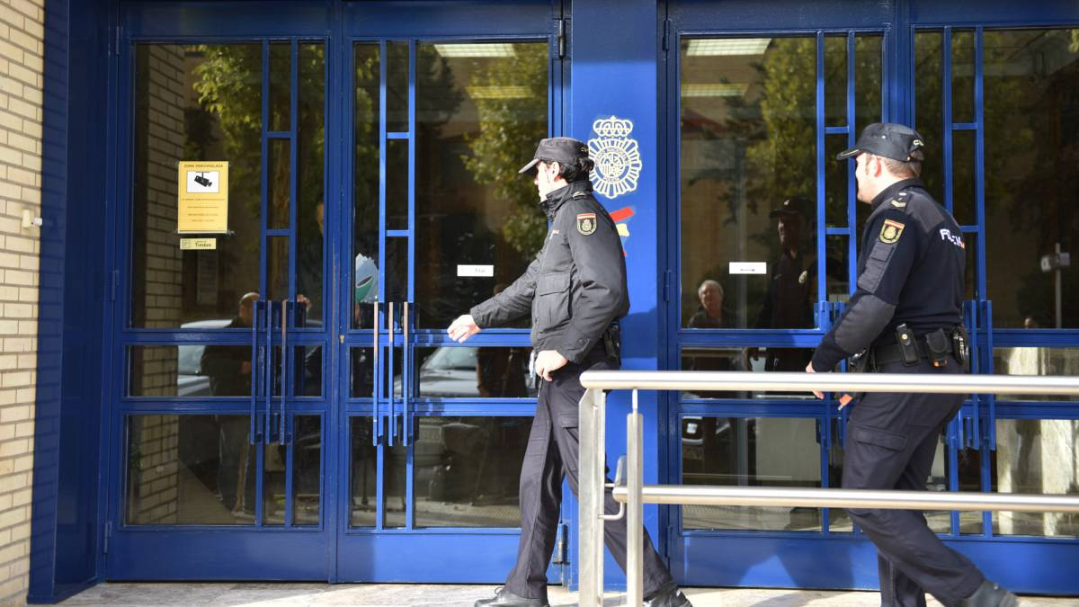 Iñigo-López's-lawyer-questions-the-legality-of-the-police-action-in-Oikos
