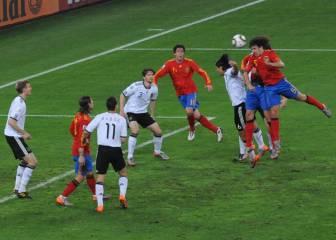 """Puyol: """"Le dije a Xavi, tu ponla que o meto gol o un alemán entra en la portería"""""""