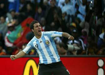 Higuaín manda saludos a Florentino tras su hat-trick