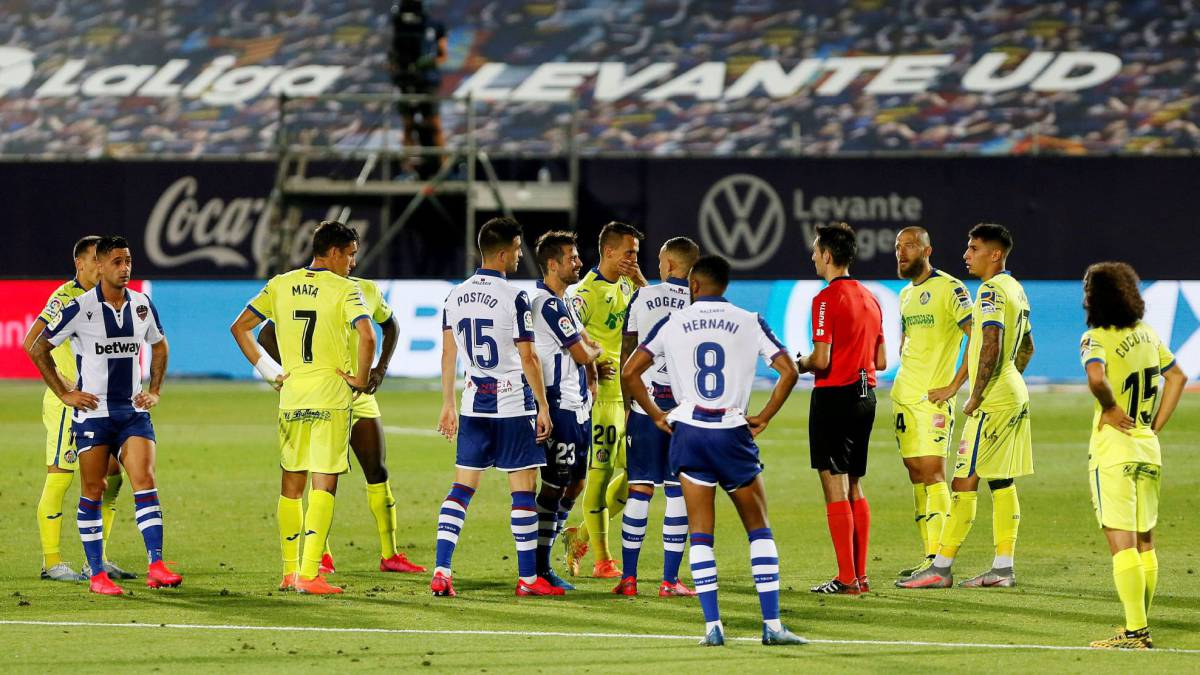 The-VAR-deletes-Getafe-from-the-Europa-League