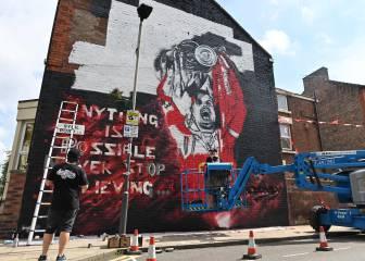Un graffiti como homenaje a la Premier del Liverpool