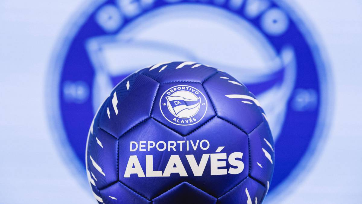 The-Alavés-redesigns-its-shield-and-kicks-off-its-centenary