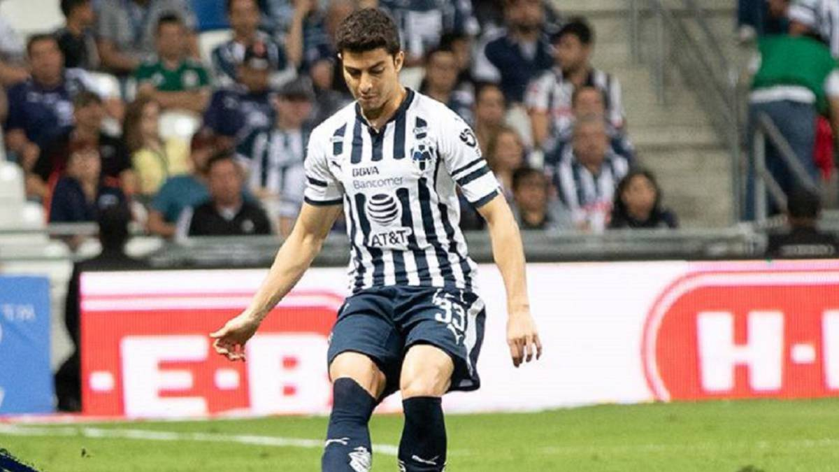 Real-Valladolid-presents-an-offer-for-Stefan-Medina