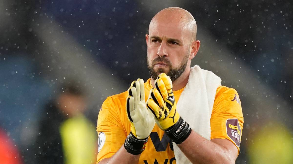 Reina-wants-to-play:-contacts-with-Valencia-and-Calcio-teams